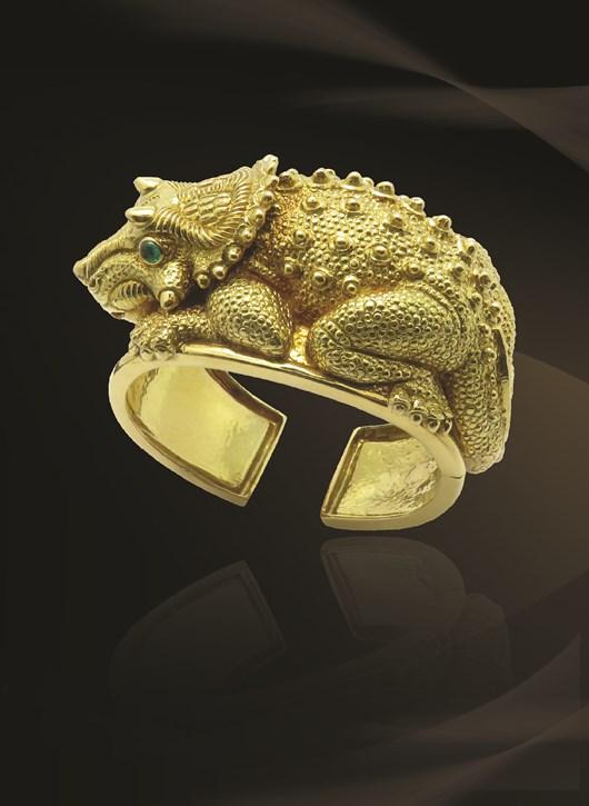 Triceratops Bracelet Gold Signed By David Webb   New York, Circa 1970